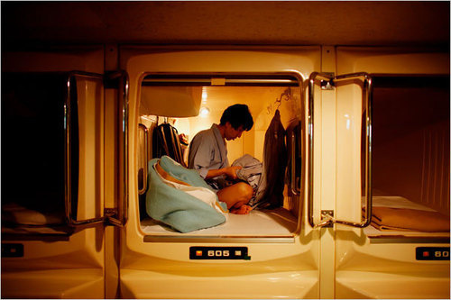 100122capsuleapartment.jpg